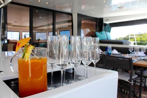 catamaran_eclipse_cocktails