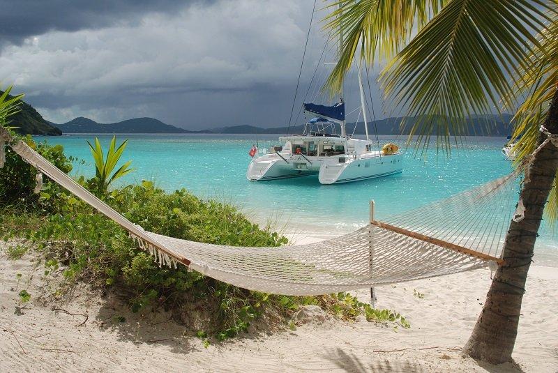 catamaran_by_the_beach