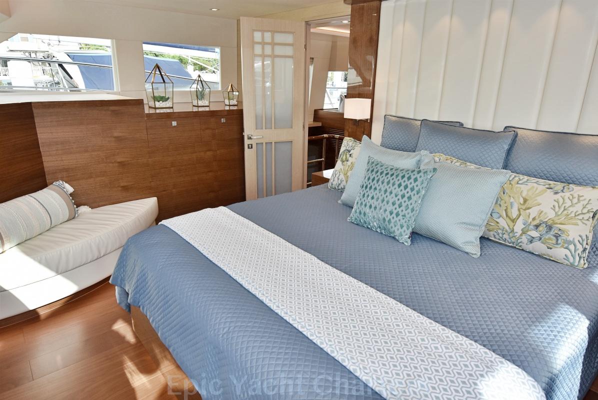 catamaran_mucho_gusto_master_suite