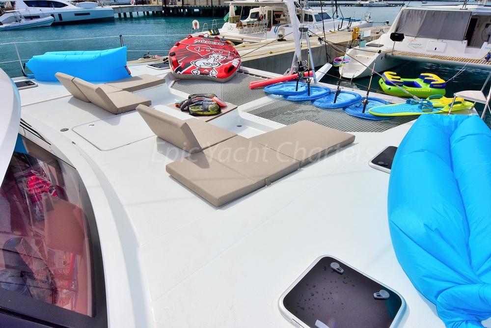 catamaran_neverland_foredeck-1
