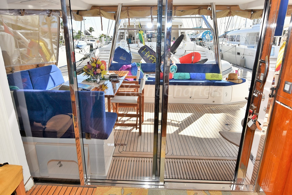 catamaran_xenia50_cockpit