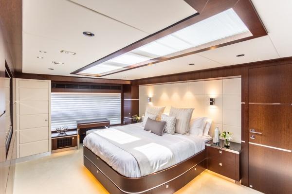 motoryacht_angeleys_master_suite-1