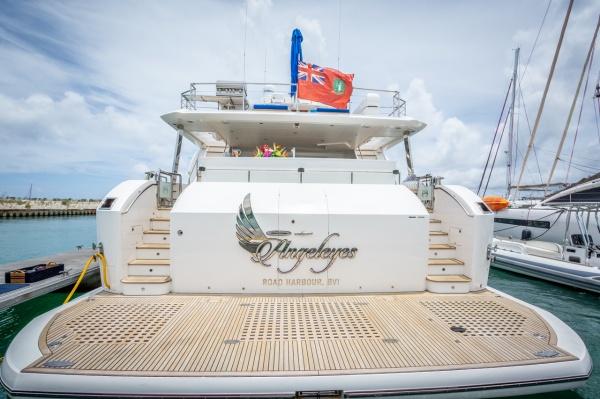 motoryacht_angeleys_stern