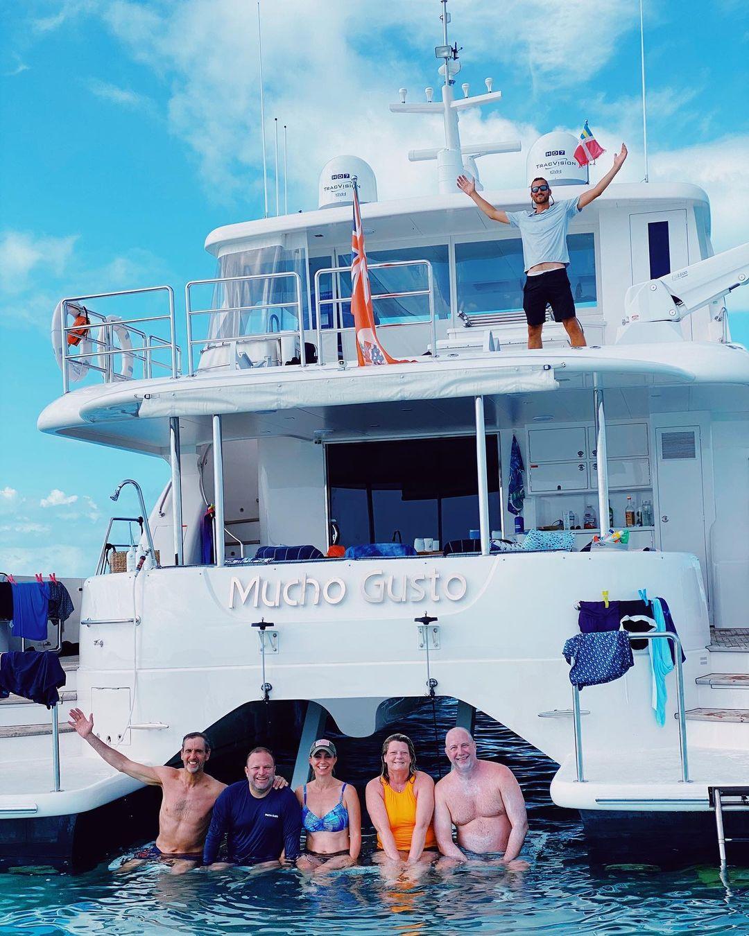 Catamaran_Mucho_Gusto_FB