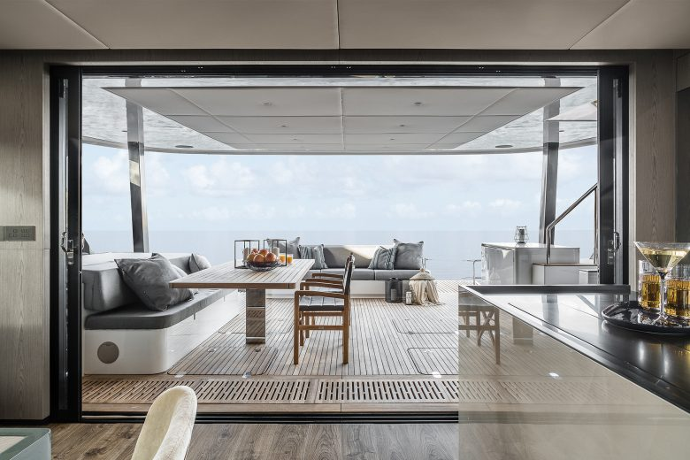 Catamaran_Amaya_indoors_to_outdoors