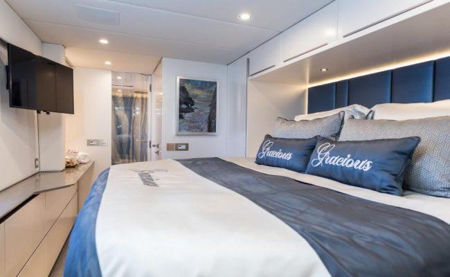 Catamaran_Gracious_stateroom