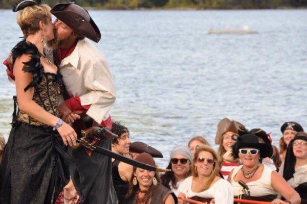 ben_rachel_pirate_wedding