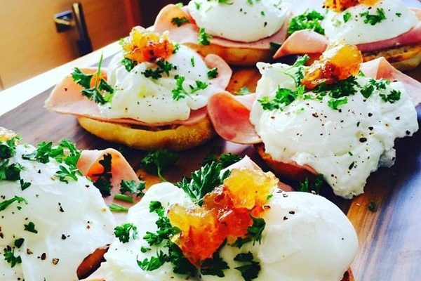 catamaran_a2_breakfast
