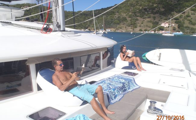 catamaran_azulia_foredeck_seating