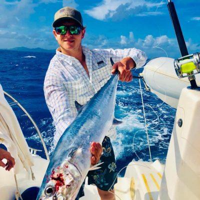 catamaran_barefeet_fishing