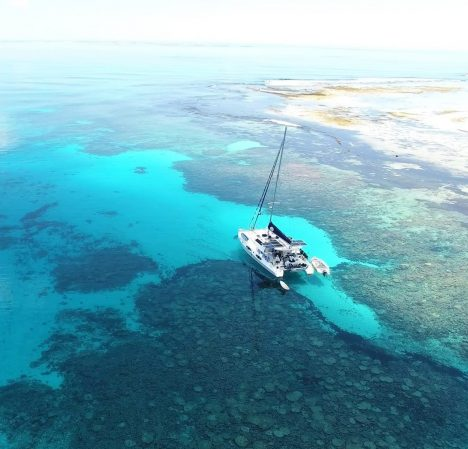 catamaran_barefeet_retreat_drone