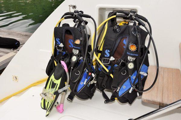 catamaran_copper_penny_diving