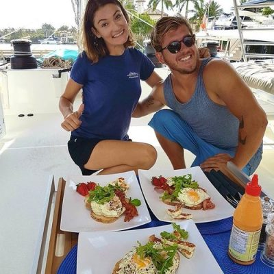 catamaran_dragonfly_crew_food