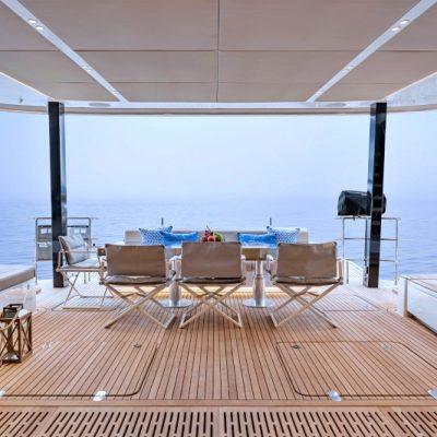 catamaran_endless_horizon_aft_deck