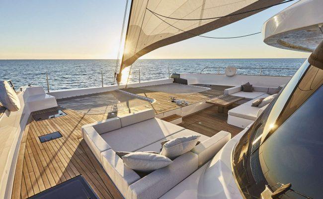 catamaran_endless_horizon_foredeck