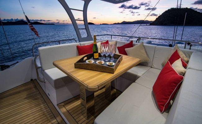 catamaran_euphoria_flybridge