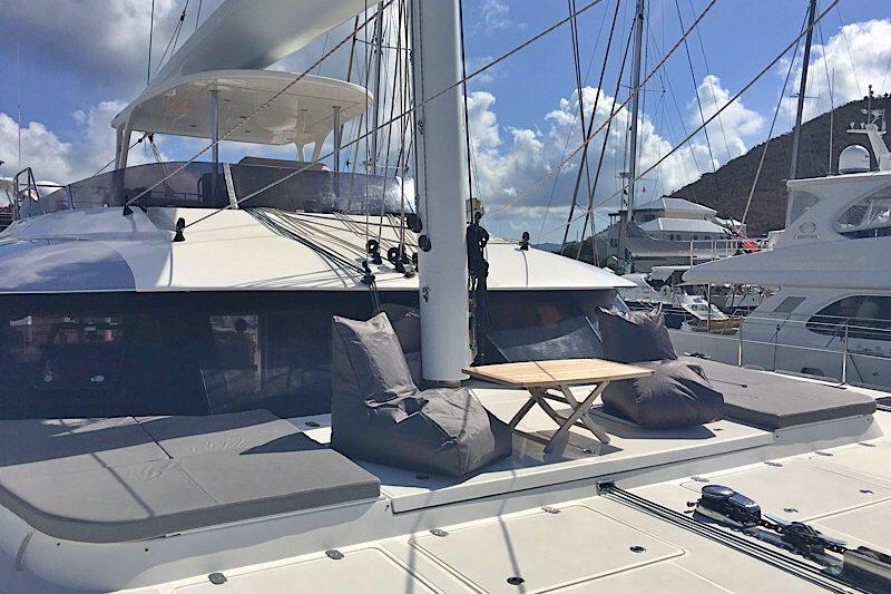 catamaran_excess_upperdeck