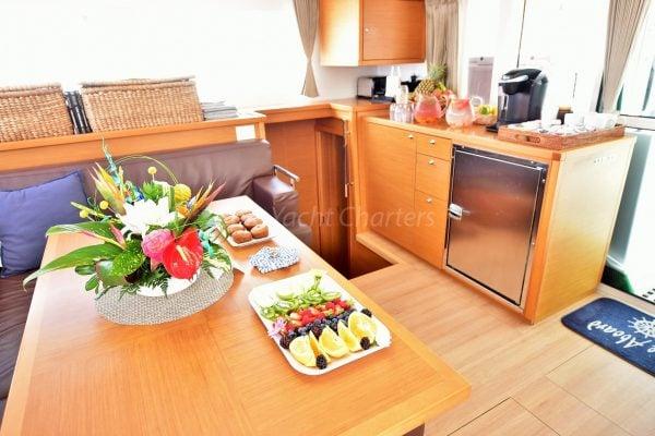 catamaran_great_adventure_dining