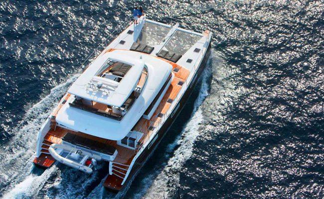 catamaran_jans_felion_underway
