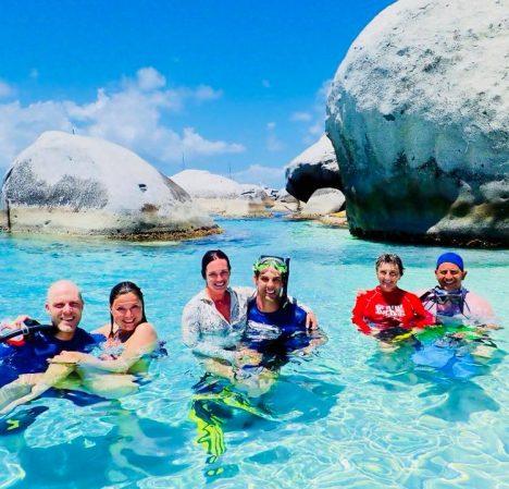 catamaran_pelican_guests