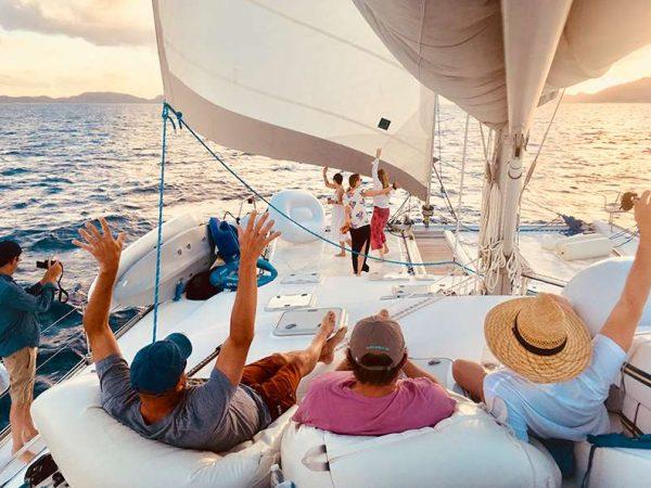 catamaran_pelican_guests_relax