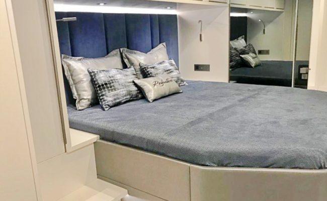 catamaran_relentless_guest_cabin