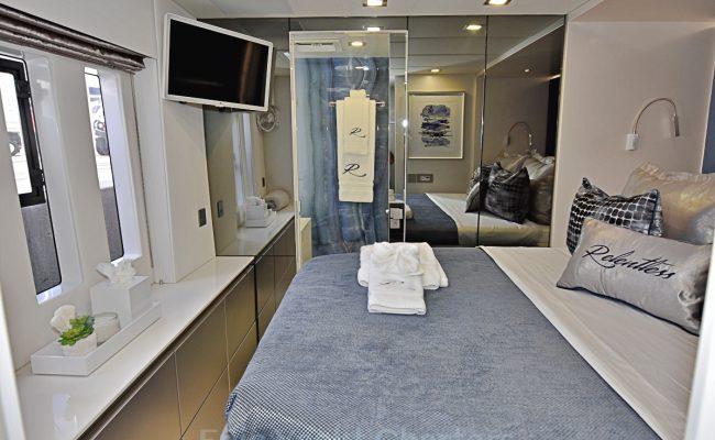 catamaran_relentless_guest_suite3