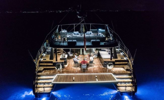 catamaran_relentless_night