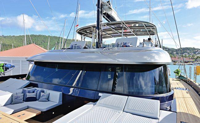 catamaran_relentless_upperdeck