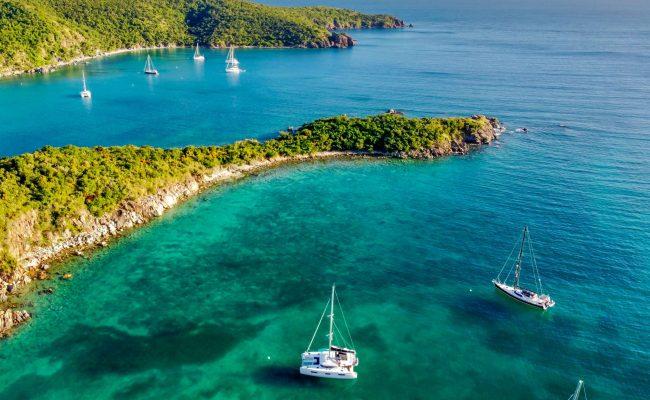 catamaran_rendez-vous_anchorage