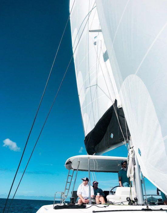 catamaran_scuba_doo_sailing