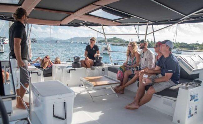 catamaran_seahome_captain_guests2