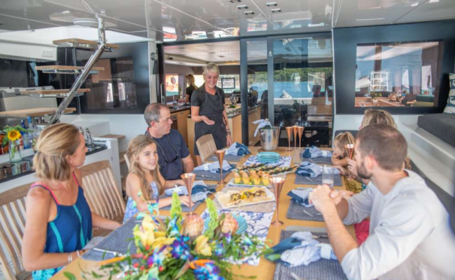 catamaran_seahome_chef_serving