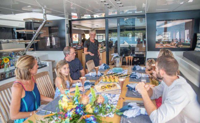 catamaran_seahome_happy_guests11