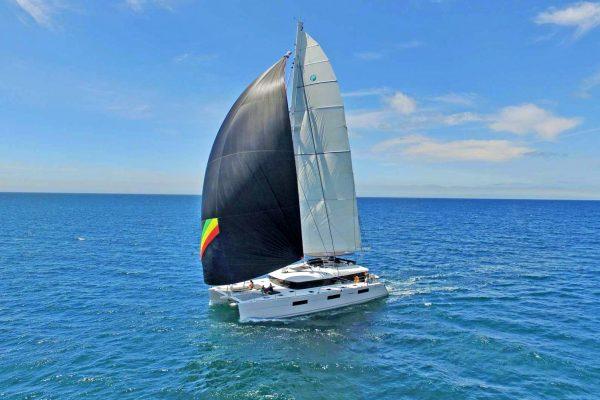 catamaran_seahome_sailing2