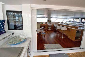 catamaran_skimmer_entrance