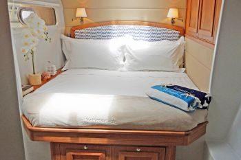 catamaran_skimmer_guest_cabin