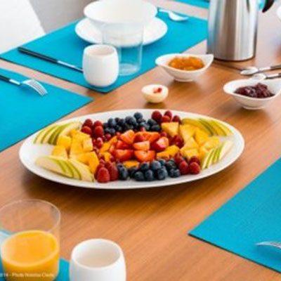 catamaran_split_second_breakfast