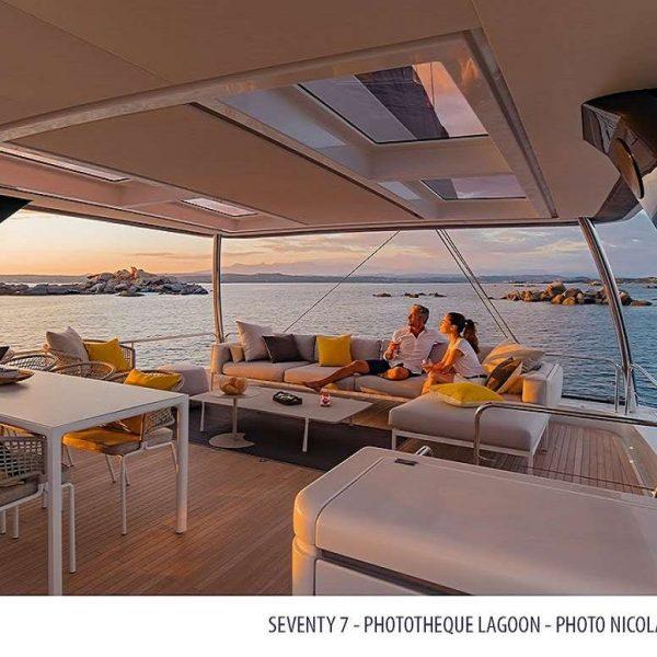 catamaran_tell_star_sailing_flybridge