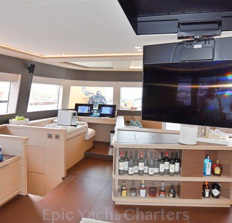 catamaran_tellstar_retractible_tv