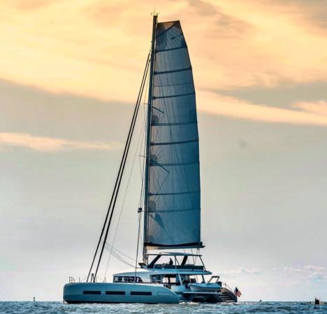 catamaran_tellstar_sunset_sailing
