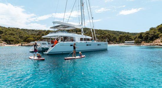 catamaran_twin_flame_waterfun