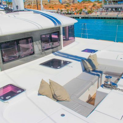 catamaran_viramar_forward_seating