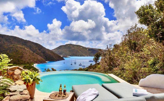guana_island_poolside