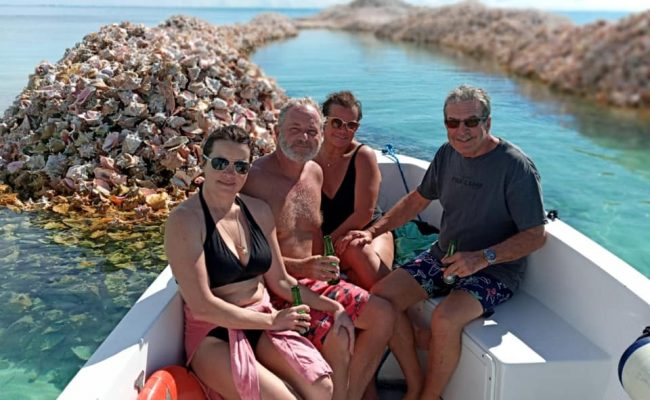 guests_with_conch_island