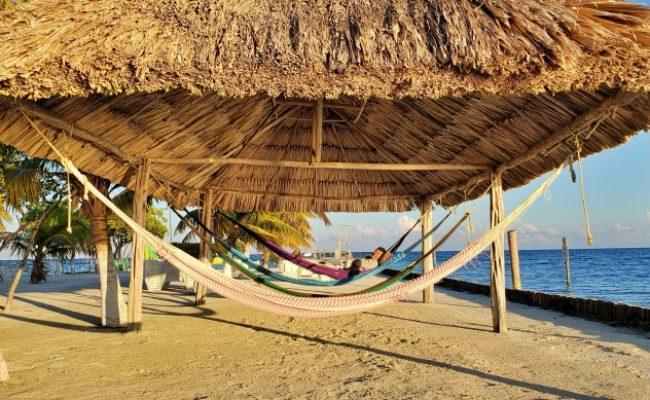 hammocks_belize