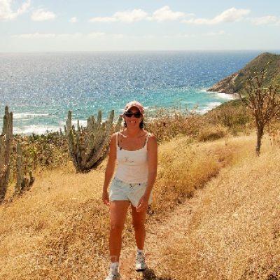 hiking_peter_island